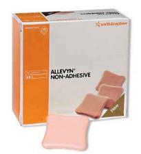 ALLEVYN MEDICAZIONE STERILE NON ADESIVA 20x20 CM - 3 PEZZI